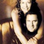 Simply Christmas with Amy Grant and Vince Gill