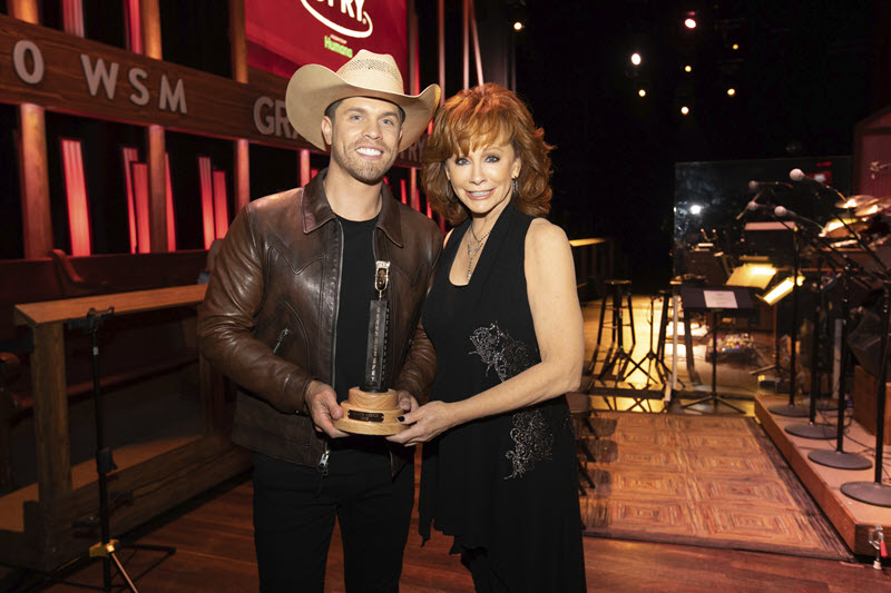 dustin lynch reba grand ole opry
